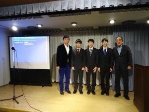 18-新入社員との記念写真